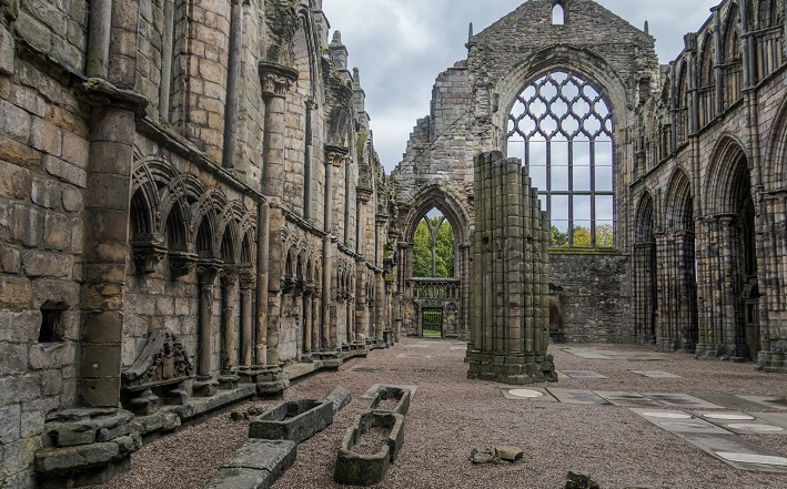 ruins at Edinburgh Holyrood Abbey