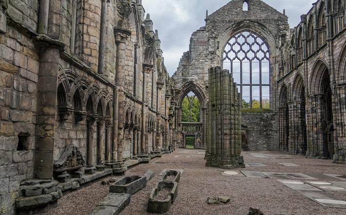 ruins at Edinburgh Holyrood Abbey