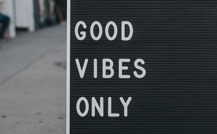 Sign stating Good Vibes Only
